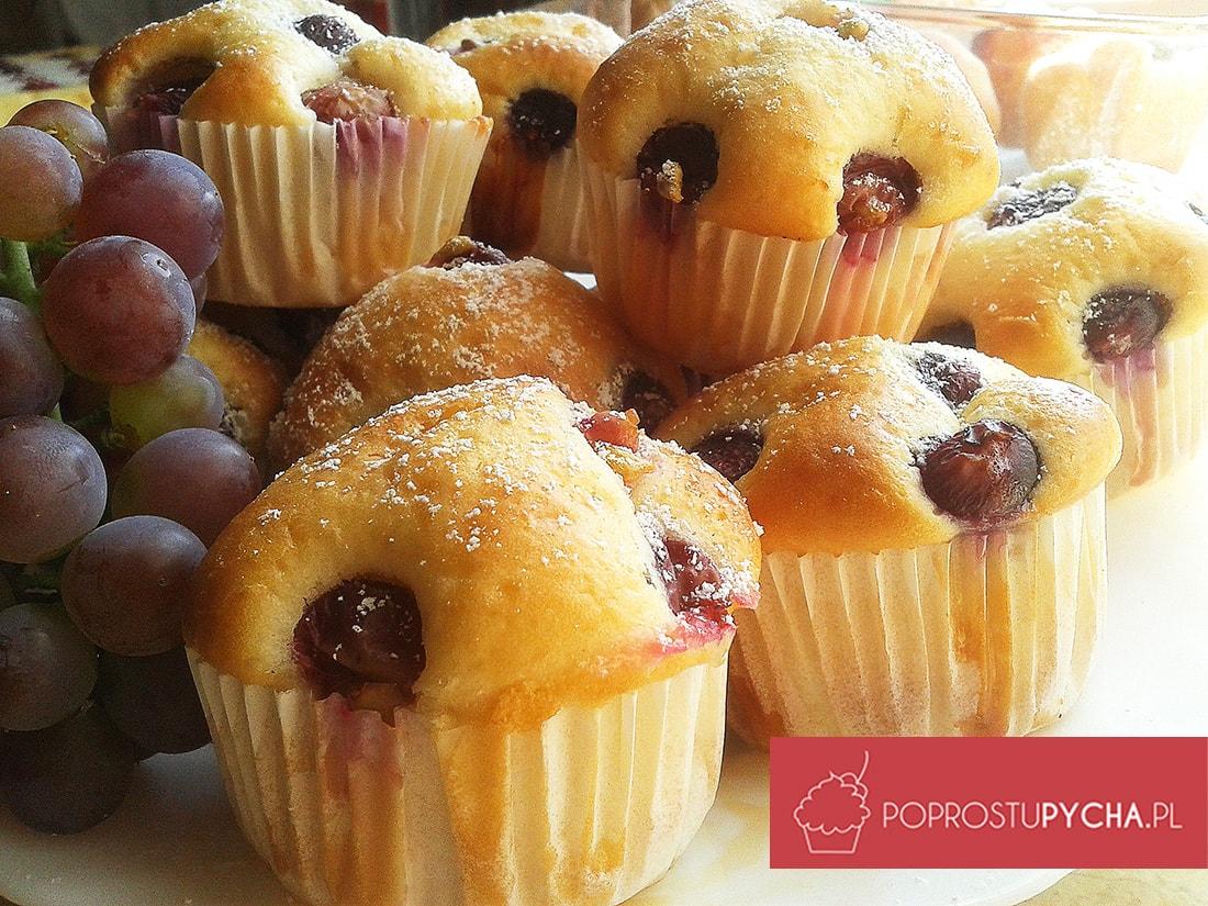 Jogurtowe muffiny z winogronami