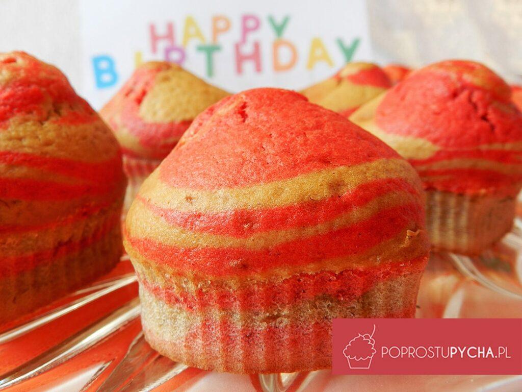 Różowe zeberkowe muffinki