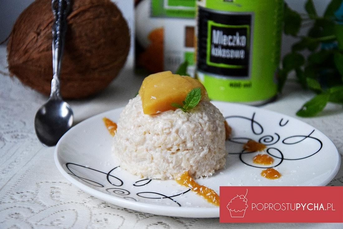 Orientalny deser ryżowo-kokosowy z mango