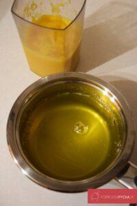 Sernik pieczony cytrynowy zmusem brzoskwiniowym