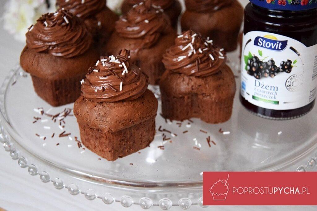 muffinki zkremem czekoladowym