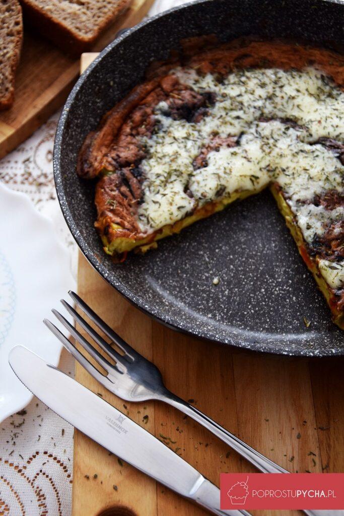 Omlet paprykowo-serowy