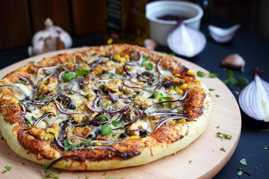 Pizza BBQ z kurczakiem