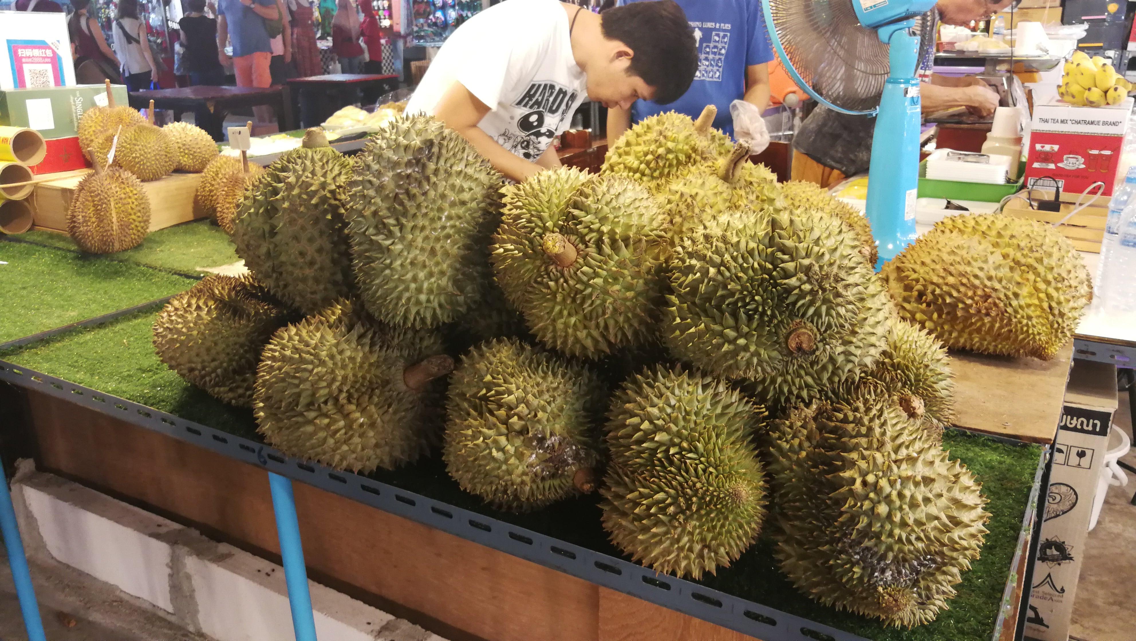 street foot wTajlandii - durian