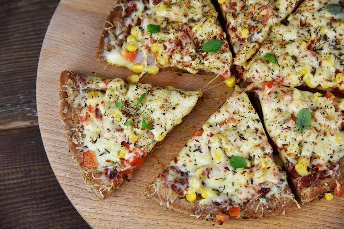 orkiszowa pizza z patelni