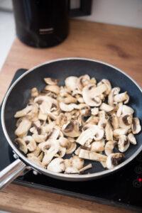 Jak zrobić sos pieczarkowy