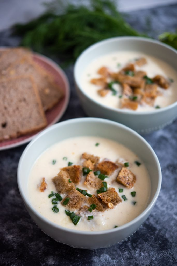 Zupa serowa zserków topionych
