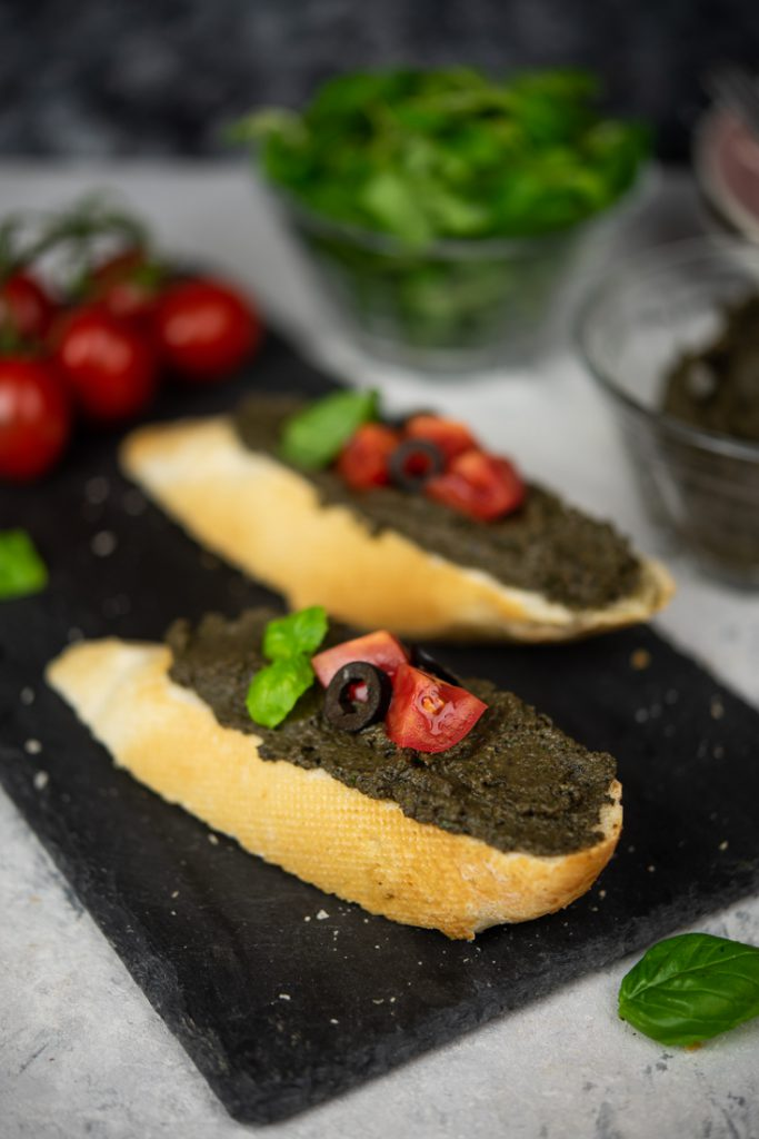 Tapenada zczarnych oliwek