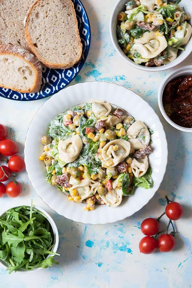 Salatka zmakaronem tortellini