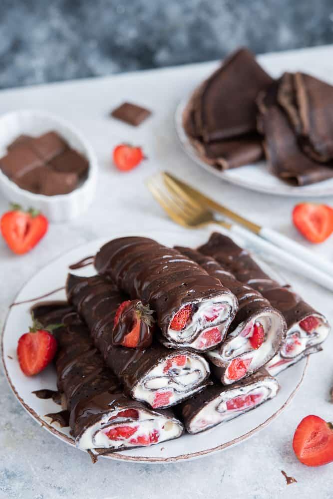 naleśniki kakaowe ztruskawkami